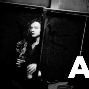 RECENSIONE: Alessandro Graziani – Armi