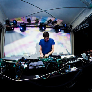 LIVE+PHOTO REPORT: Jon Hopkins @ Eremo Indie Club [Molfetta, BA] – 9/11/2013
