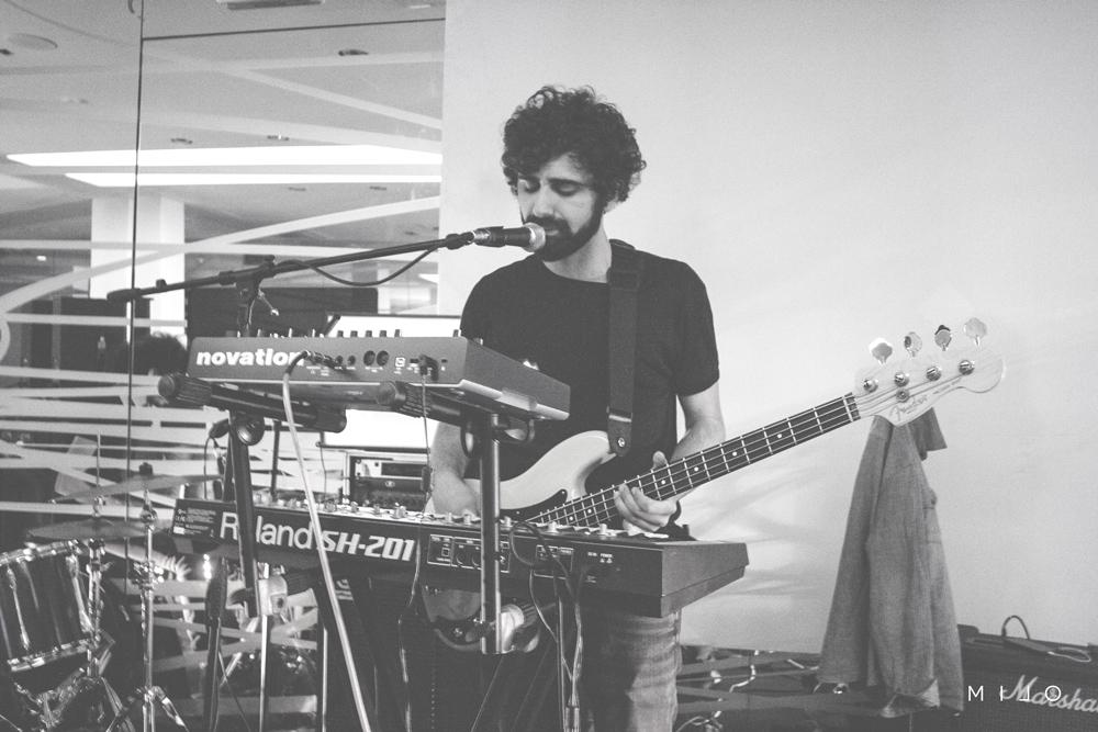 Alberto Ladduca: basso, voce, synth