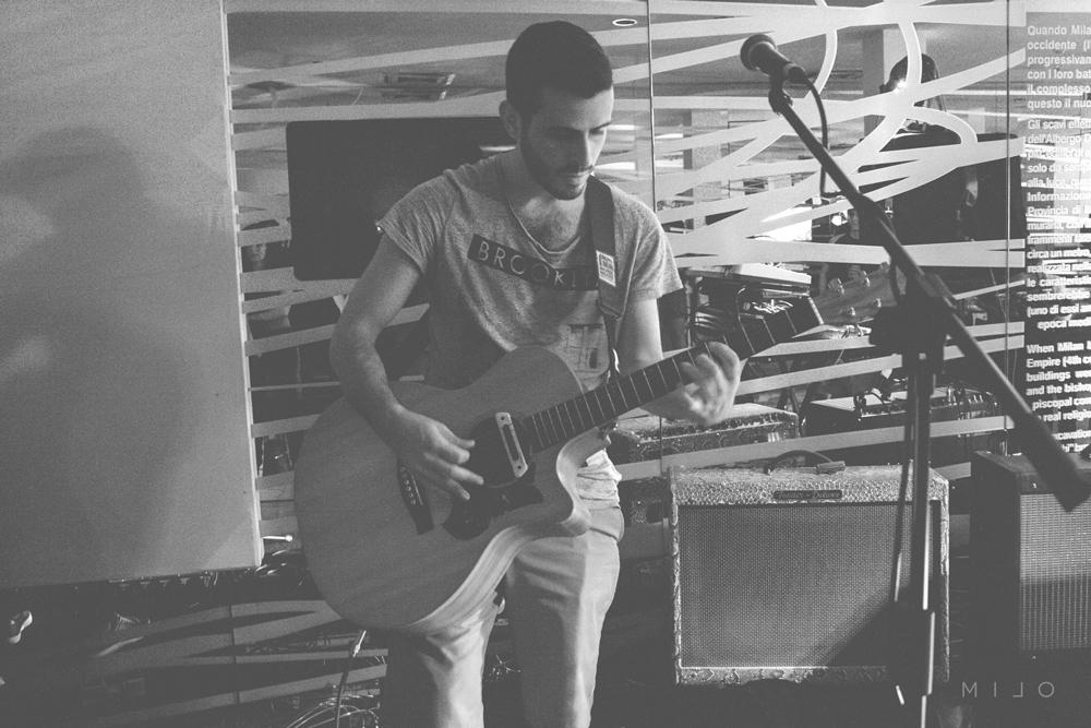 Giorgio Vignetti: chitarra, voce