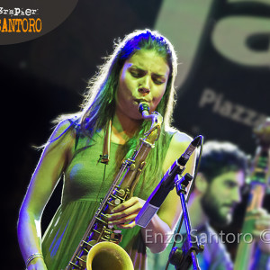 PHOTO REPORT: Melissa Aldana Crash Trio @ Marigliano in jazz [Marigliano, NA] – 12/07/2015