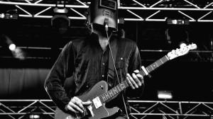 Zero at the guitar