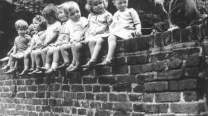 just kids, davanti alla Posta