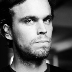 "RECENSIONE DI:  PETER BRODERICK – ""PARTNERS"" –  ERASED TAPES RECORDS , USC. 19 AGOSTO 2016"